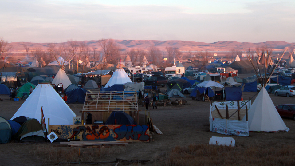 The Oceti Sakowin (Standing Rock Sioux) water protectors' camp. Michelle Zacarias | People's World.
